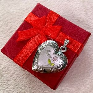 Jewelry - 925 Sterling Silver Vintage Heart Locket Mom